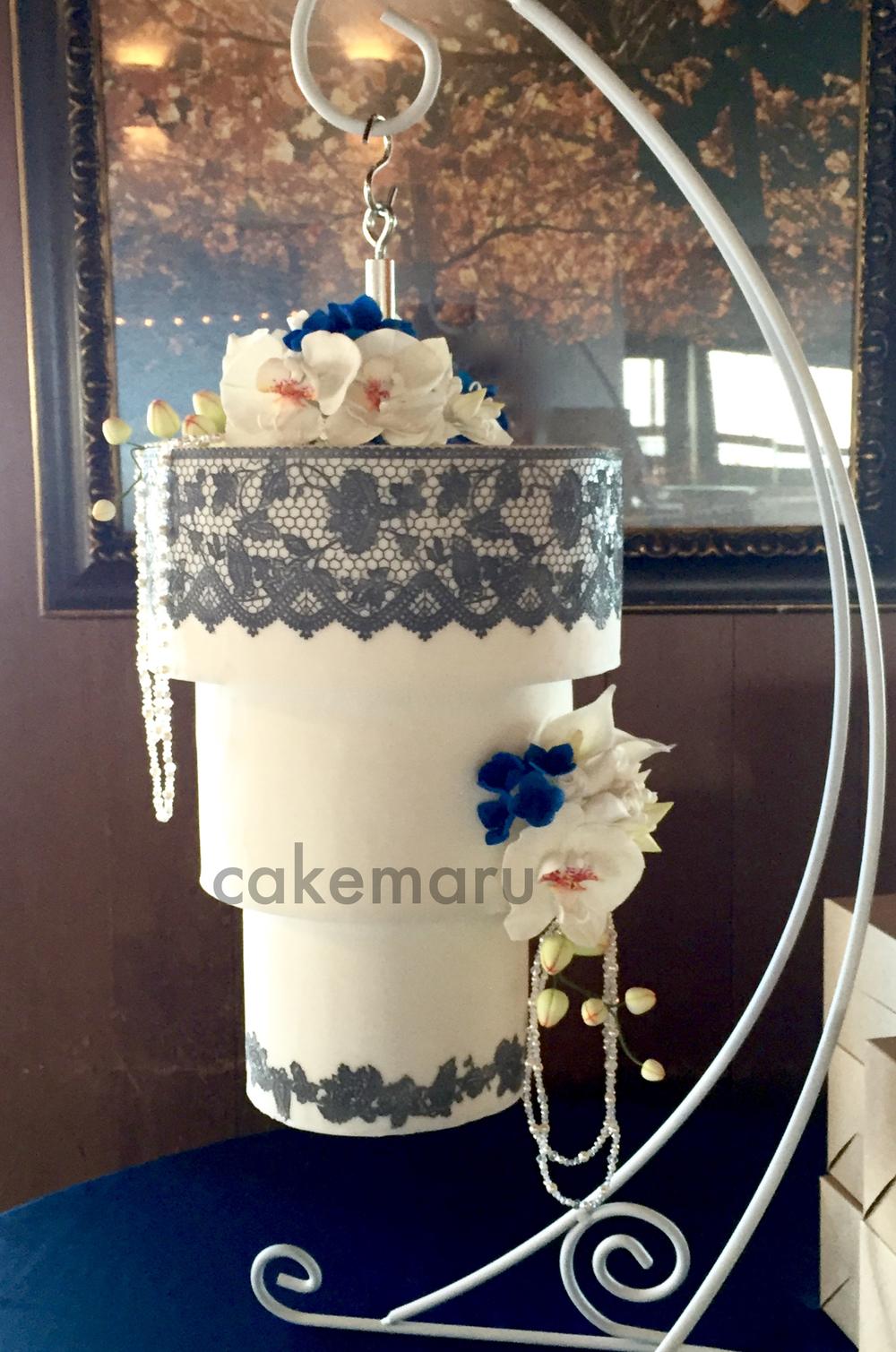 Chandelier Cake1.jpg