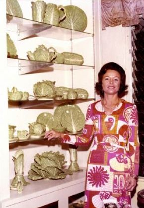 Ms. Dodie Thayer….queen of lettuce ware (and bold print dresses…apparently)