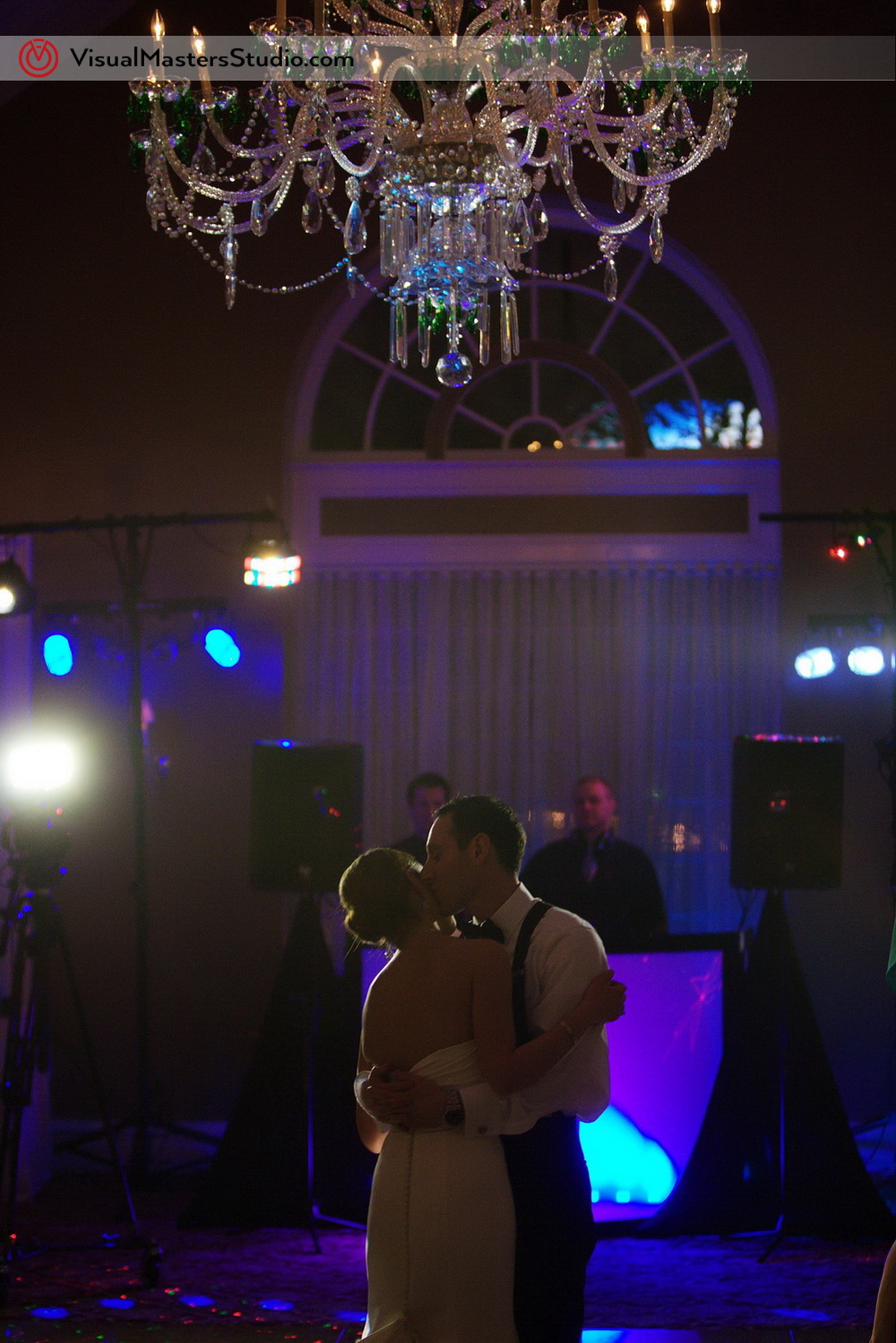 Kiss at Stony Hill Inn by Visual Masters