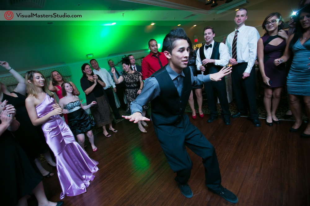 Wedding Dance-off at The Castle at Skylands Manor by Visual Masters