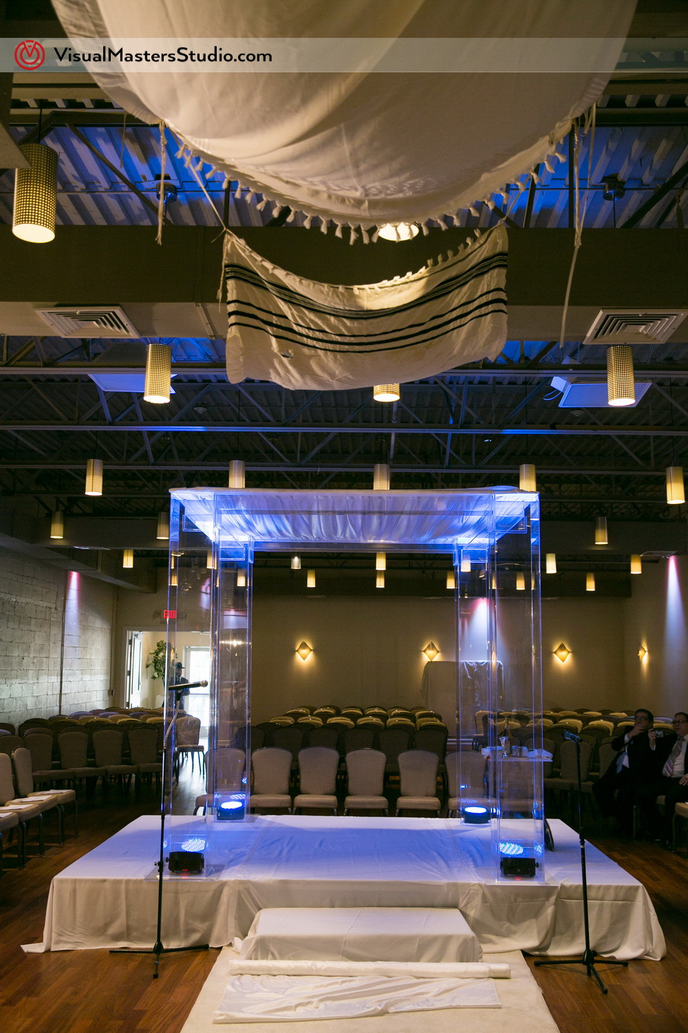 Modern Huppah at The Wilshire Grand by Visual Masters
