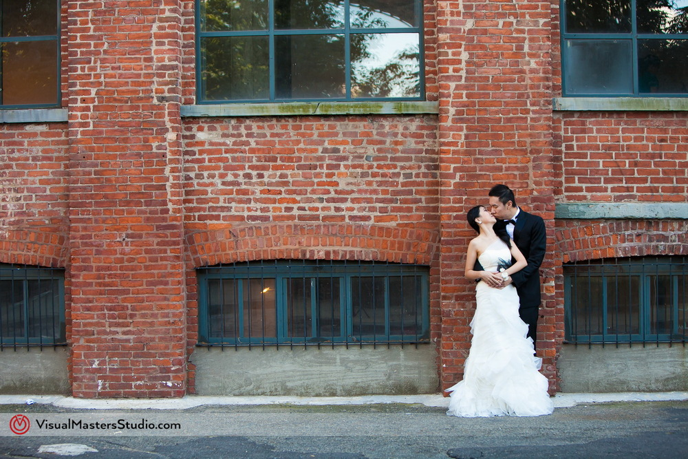 Urban Bridal Session in Dumbo by Visual Masters