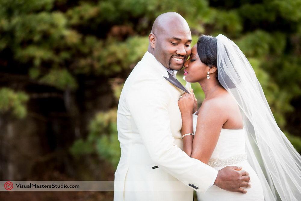 Bridal Photo Session at Skylands Manor by Visual Masters