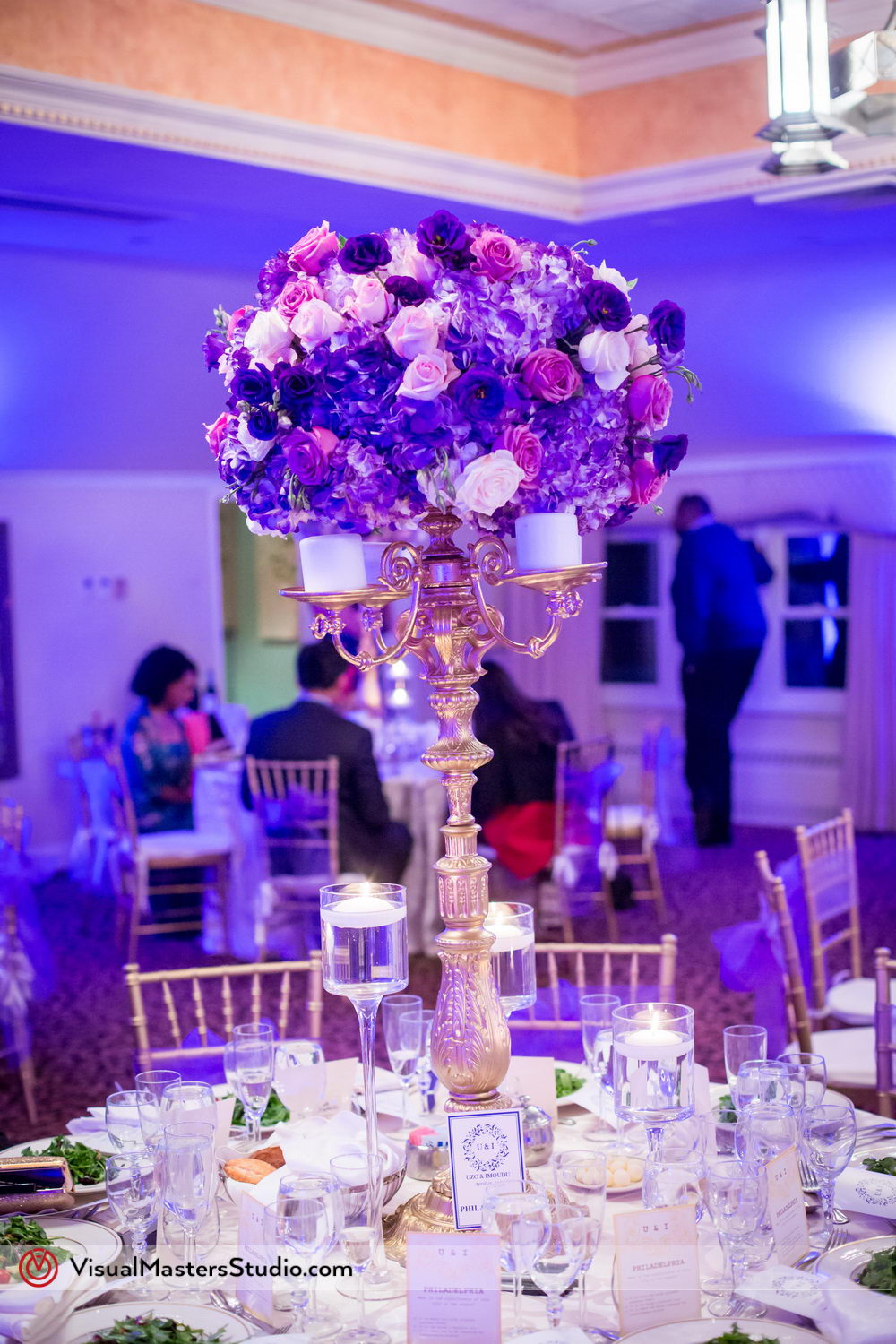 Wedding Table Flower Arrangements at Skylands Manor by Visual Masters