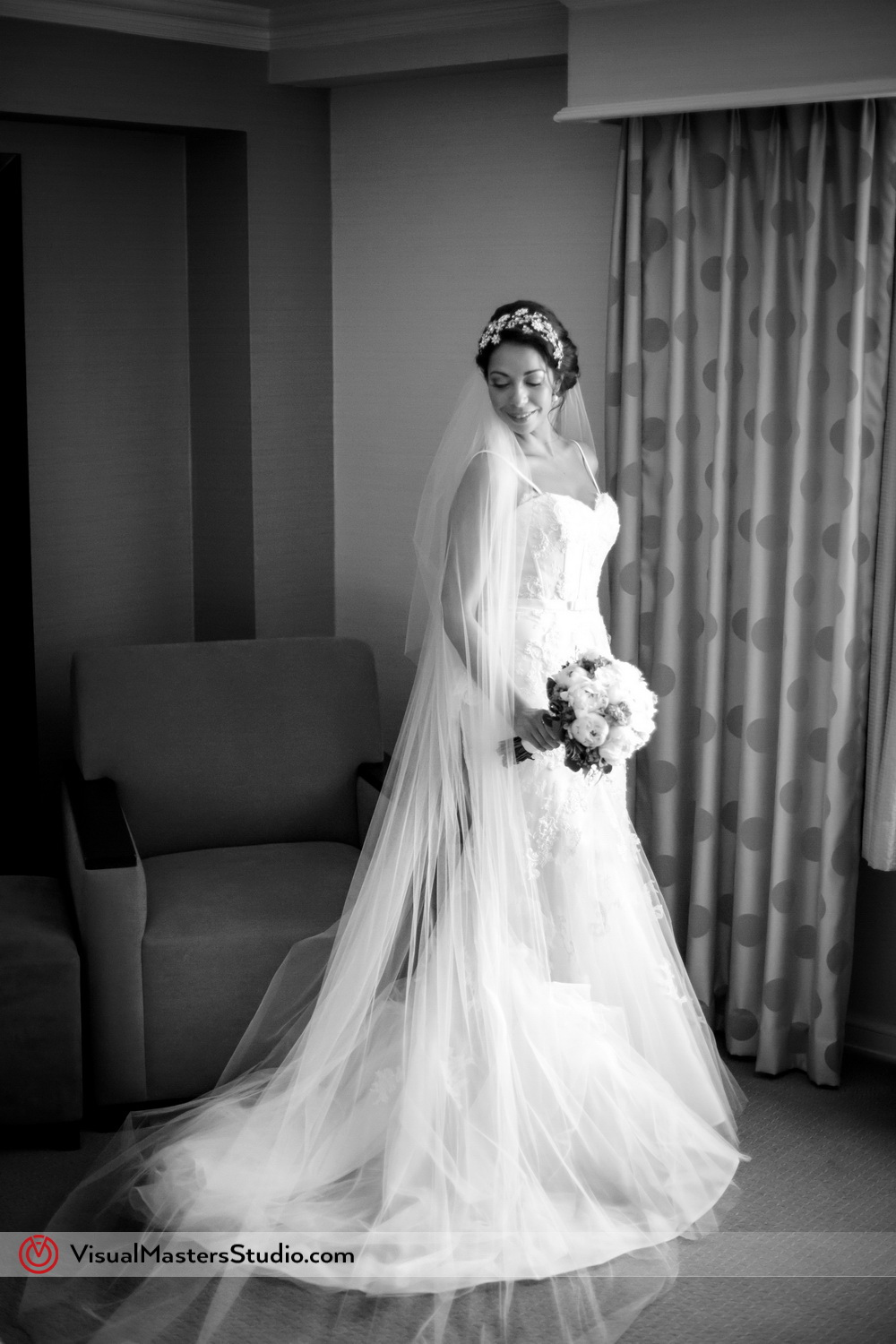 Tiimeless Bridal Portrait Ideas at Westminister Hotel by Visual Masters