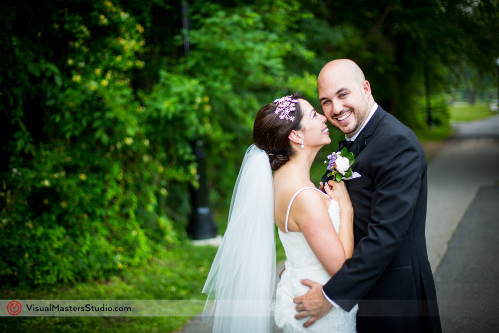 Bridal Portrait Ideas at Verona Park by VIsual Masters