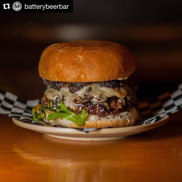#Repost @batterybeerbar Bring yer appetite for today's lunch special y'all! The Alabama Burger! A bison patty with duxelles, beer onions, smoked gouda and mixed greens - all topped off with Alabama white BBQ sauce. 😋🍔