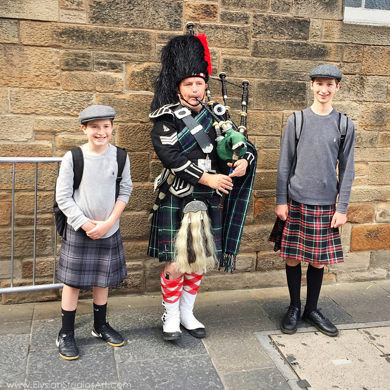 Bagpipes on the streets of Edinburgh, Scotland