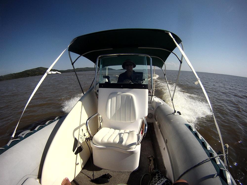 O Barco leva teu SUP ao paraíso!