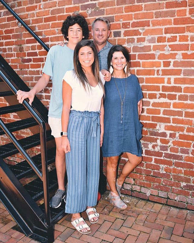 I could get real sentimental about how this will be our last family picture before Emma goes off to college. We are just a few weeks away from moving her in to Tutweiler in Tuscaloosa. ⠀ ⠀ We've been in Loudon visiting my mom and having a family reunion. Telling stories and watching the new generation bond is my favorite part. ⠀ ⠀ Planning the next one and the rumor is I'm in charge, so that means there might be palm trees involved 😉⠀ ⠀ #lucysinspired #lucysinspiredjewelry #inspiretogive #communityovercompetition #risingtidesociety #craftsposure #flashesofdelight #makersvillage #beingboss #calledtobecreative #chasinglight #creativepreneur #creativityfound #designisinthedetails #dowhatyoulove #exploretocreate #liveauthentic #lucydigsdesign #makersgonnamake #makersbiz #makersmovement #thehappynow #southernmakers #tilinsiders #theinstagramlab #shoplucysinspired #thegramgang #thejuggleisreal
