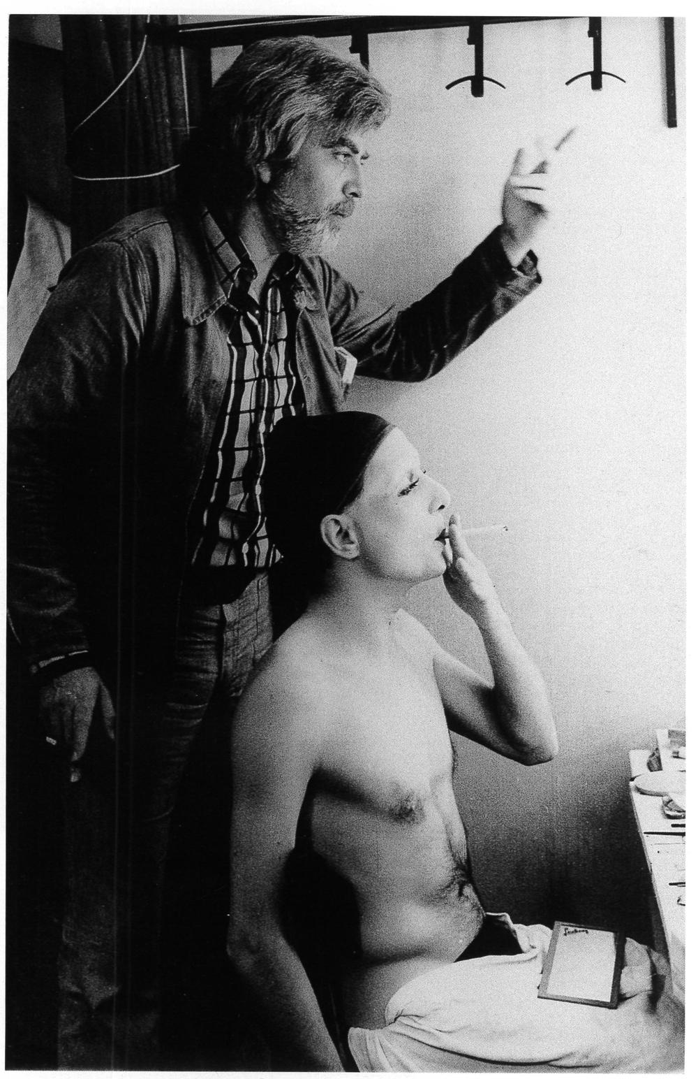 Troupe La Grande Eugène, Frantz Salieri con attore in un camerino del Teatro Manzoni. Milano, 1974.