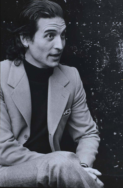 Xavier Corberó, scultore e architetto. Barcellona, 1971.