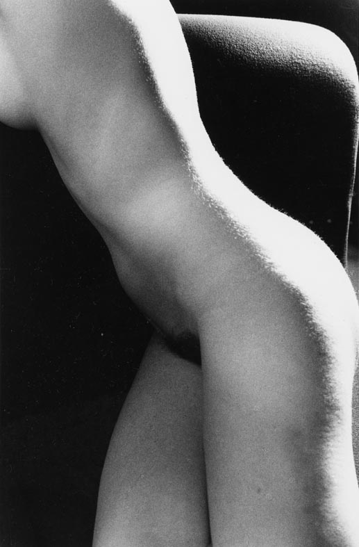 """Nudo realizzato durante le riprese di: """"Click d'autore"""", RAI, 1980. Milano, 1980."""