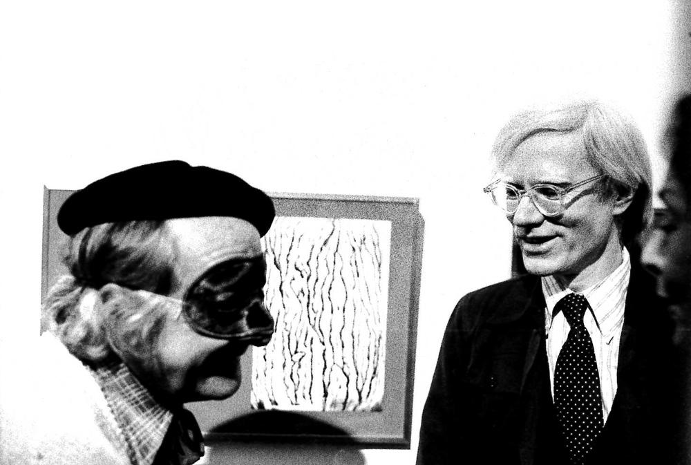 Andy Warhol alla Galleria dell'Apollinaire. Milano, 1974.