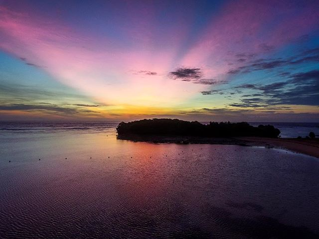 Just when you think sunrises couldn't get any better. Just Dua Beach - Bali #dji #phantom3 #dronedose