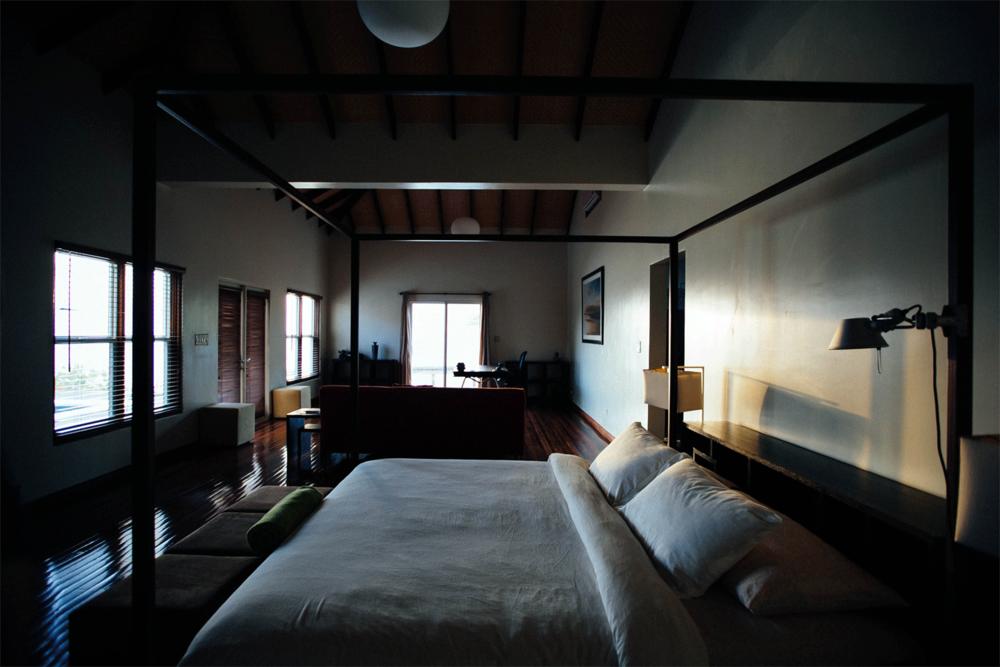 bedroom-morning.jpg