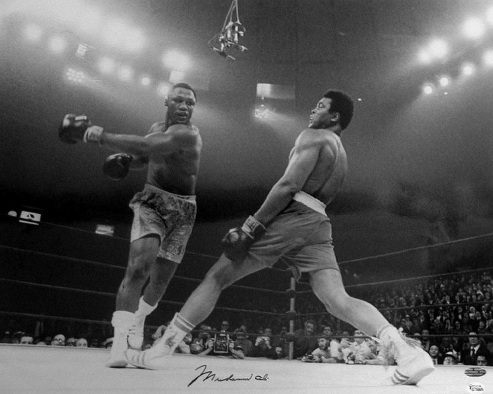 Muhammad Ali vs. Joe Frazier in Fight of the Century, Madison Square Garden in New York City, New York, 1971.jpg
