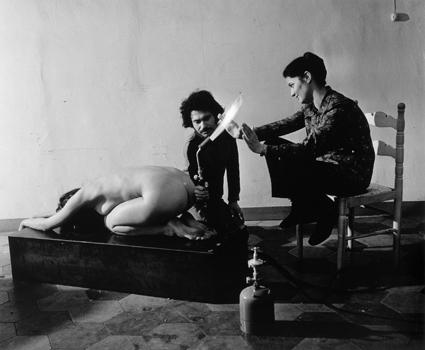 jannis kounellis, 1970.jpg