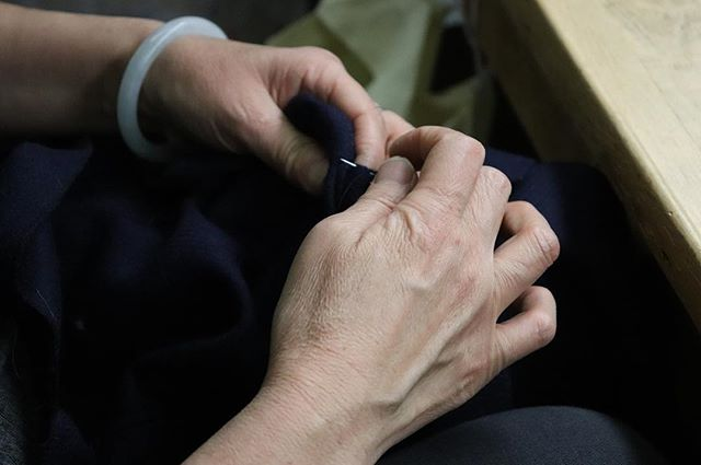 "Each of our coats is finished with 1/16"" hand pic stitch on the coat edge, pocket flaps and welt edges • • • #alwaysbefaithfultoquality #handsewn #madeinamerica #menswear #sartorial #suitup #suiting #handmade #tailored #tailoring #gentlemen #bespoke #traditional #custom #chicago #classic #timeless #elegance #craftmanship #styleinspo #mensstyle #mensfashion #quality #gq"