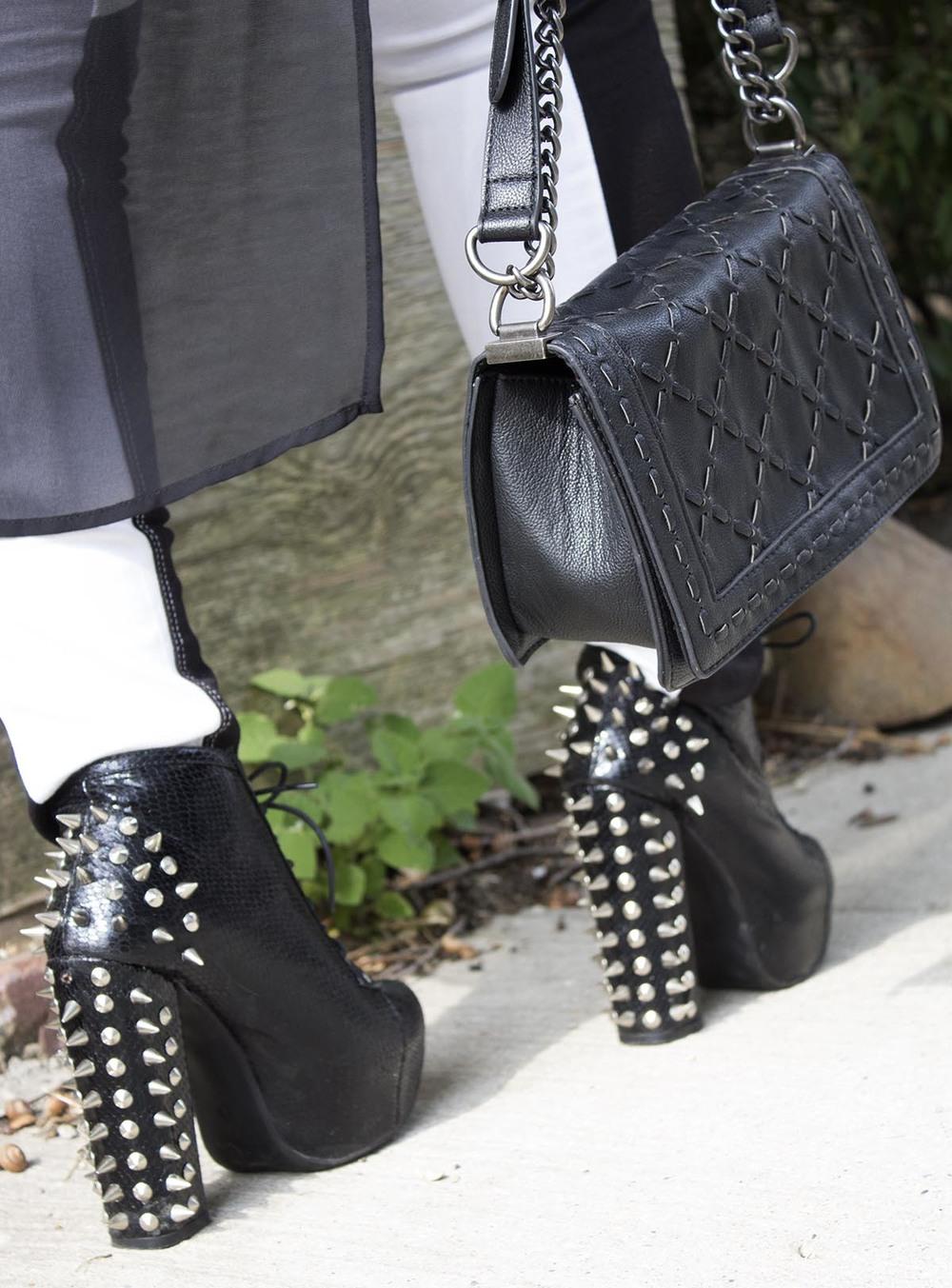 Black & white jeans 1.jpg