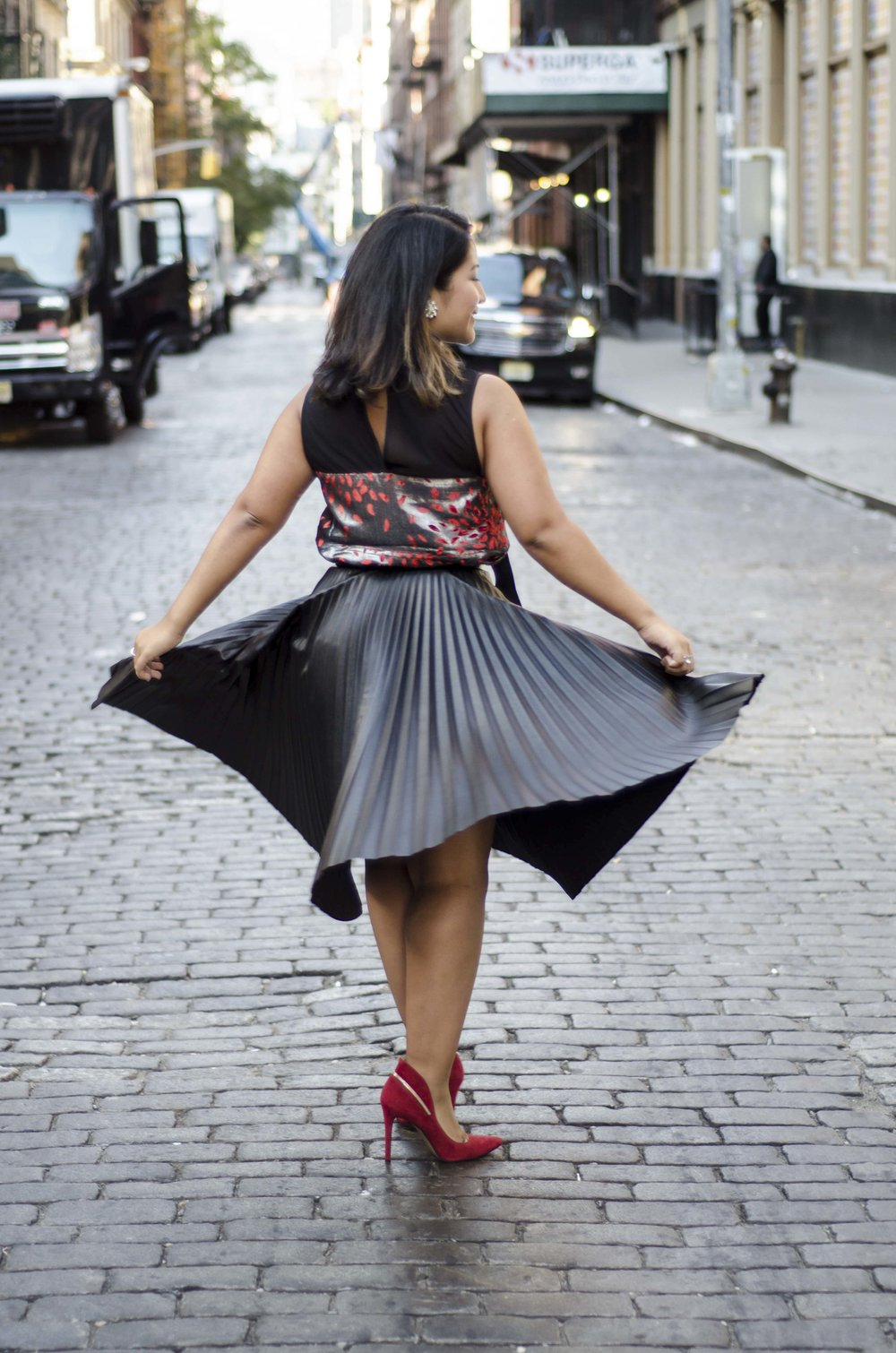 Leather Skirt w Red4.jpg