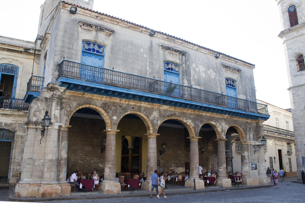 El Patio En La Habana Vieja