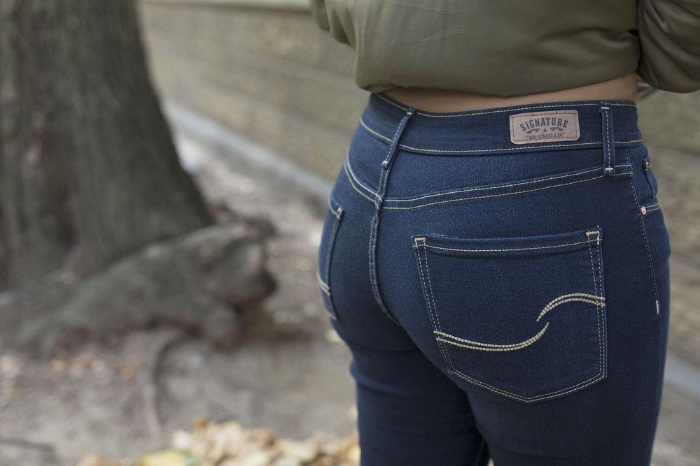 Krity S Walmart Signature Levi Denim Modern Skinny Jeans Weekend Outfit