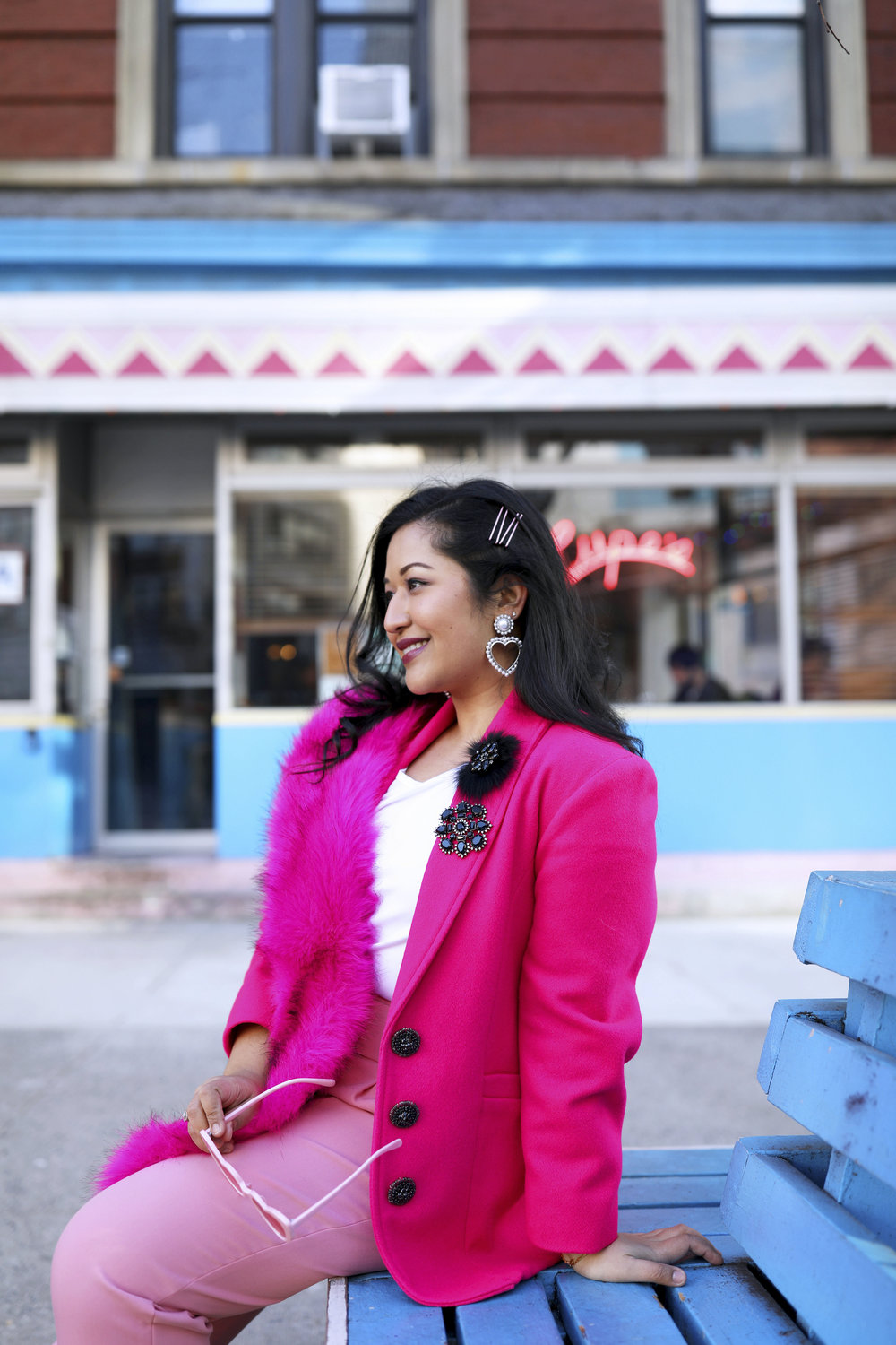 The statement pink blazer - Make an unforgettable impression.