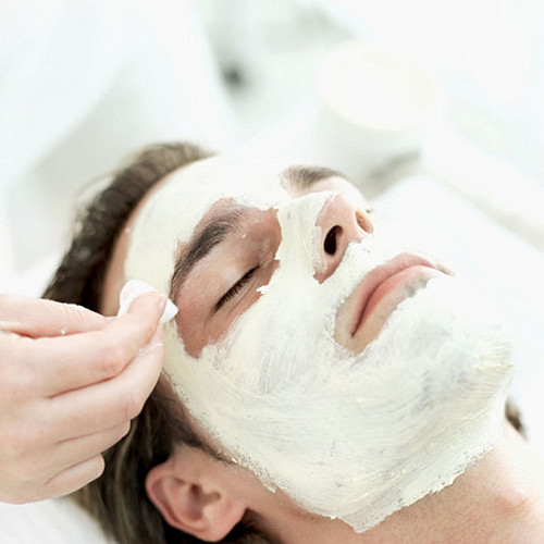 What man doesn't love to be pampered (Even though he may keep it a secret). Addison Street Spa has some seriously awesome mens treatments. Get him a Men's Facial and Swedish Massage! This package is currently on sale for $190... What a steal!