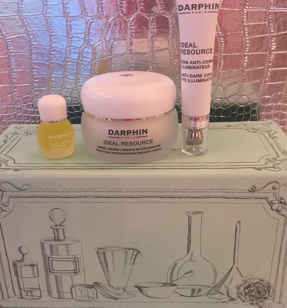 Revive your skin's radiance with this Luxury Gift Set from Darphin Available at Pink on Palmer!