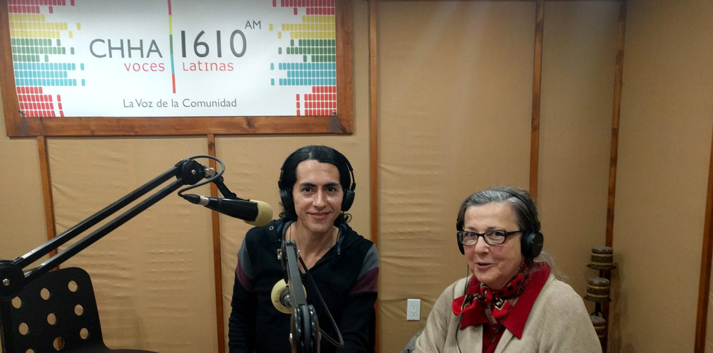 Members Alicia Bulwik and Leandro Palacios visited the Spanish-language radio station to talk about the history of the TCS, showcase its achievements, and promote upcoming concerts.