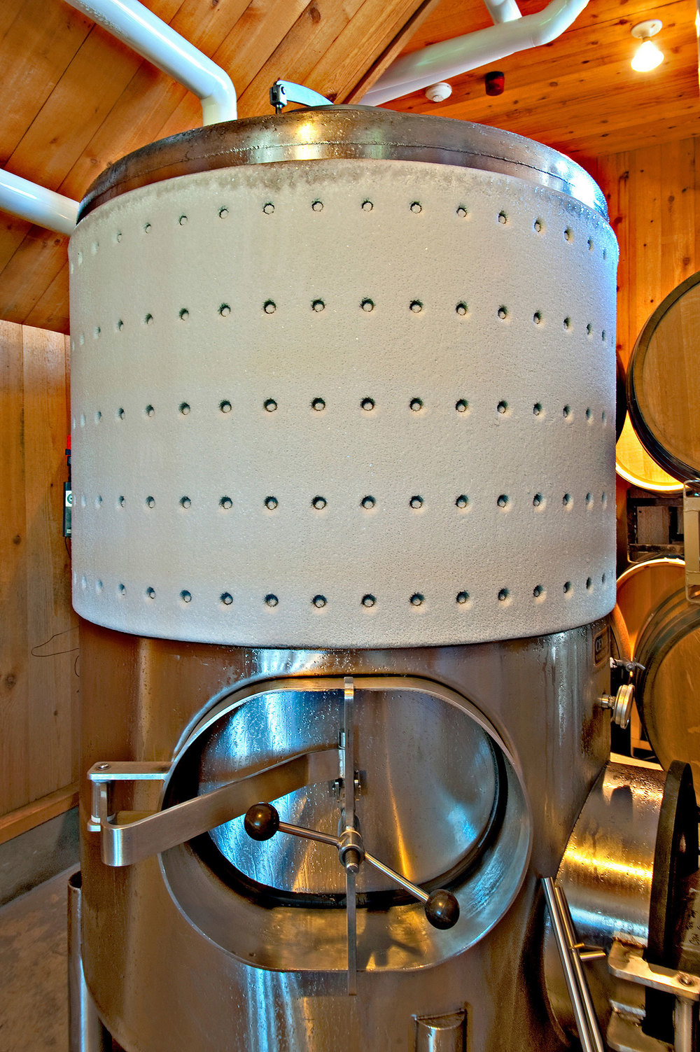 wine tank with chiller on