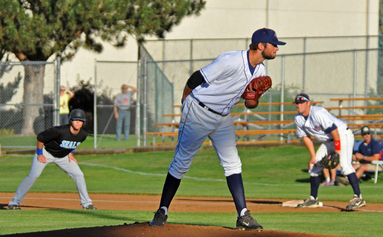 AppleSox set a franchise-best mark, with a fourth-consecutive Opening Night win, Thursday.