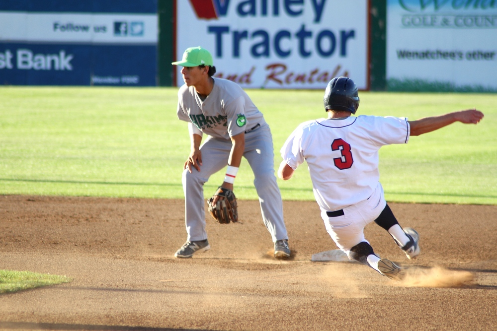 The AppleSox and the Pippins meet at Paul Thomas Sr. Stadium tonight at 7:05 p.m. Wenatchee is looking to even the series.