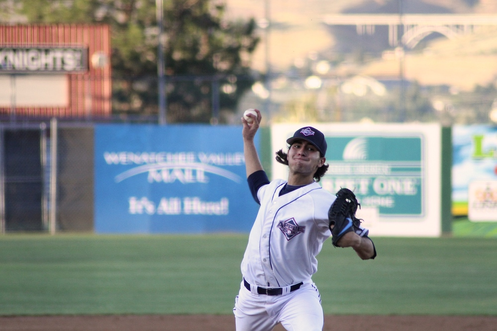 The Wenatchee AppleSox and Yakima Valley Pippins wrap up the first homestand of 2016, Sunday with first pitch at 6:05 p.m. at Paul Thomas Sr. Stadium.