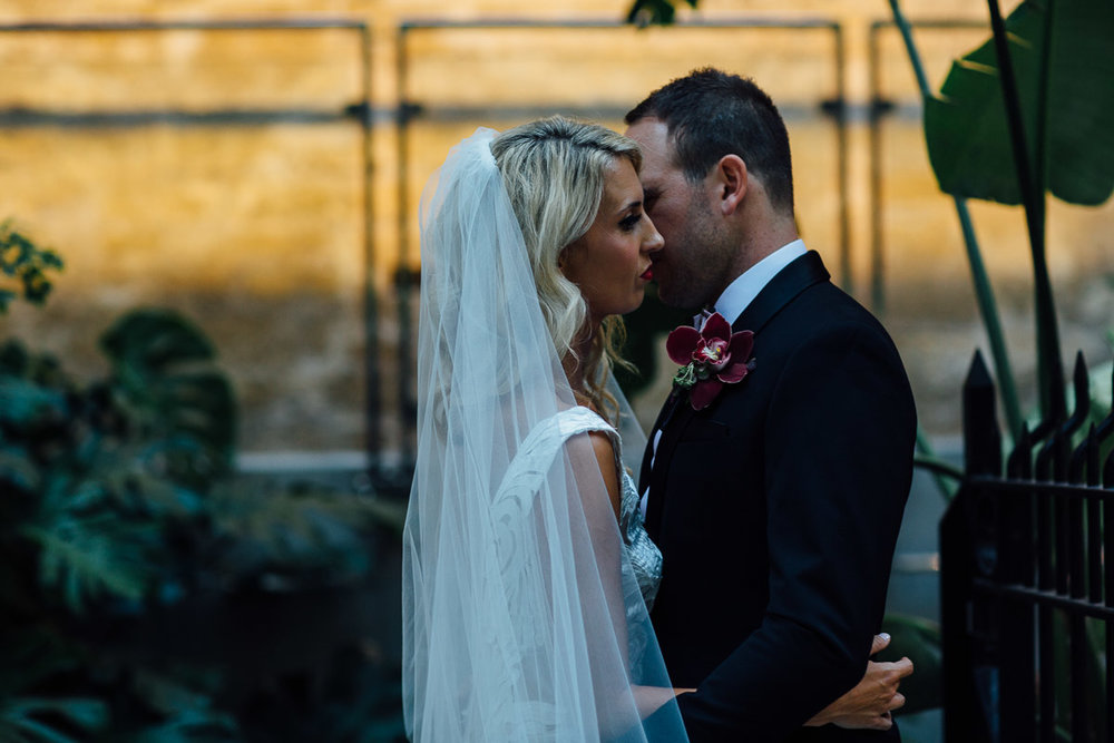Perth wedding photographer - Peggy Saas