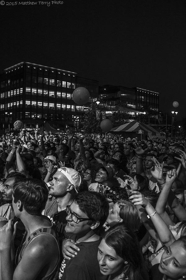 Weezer - Crowd 14 + Logo.jpg