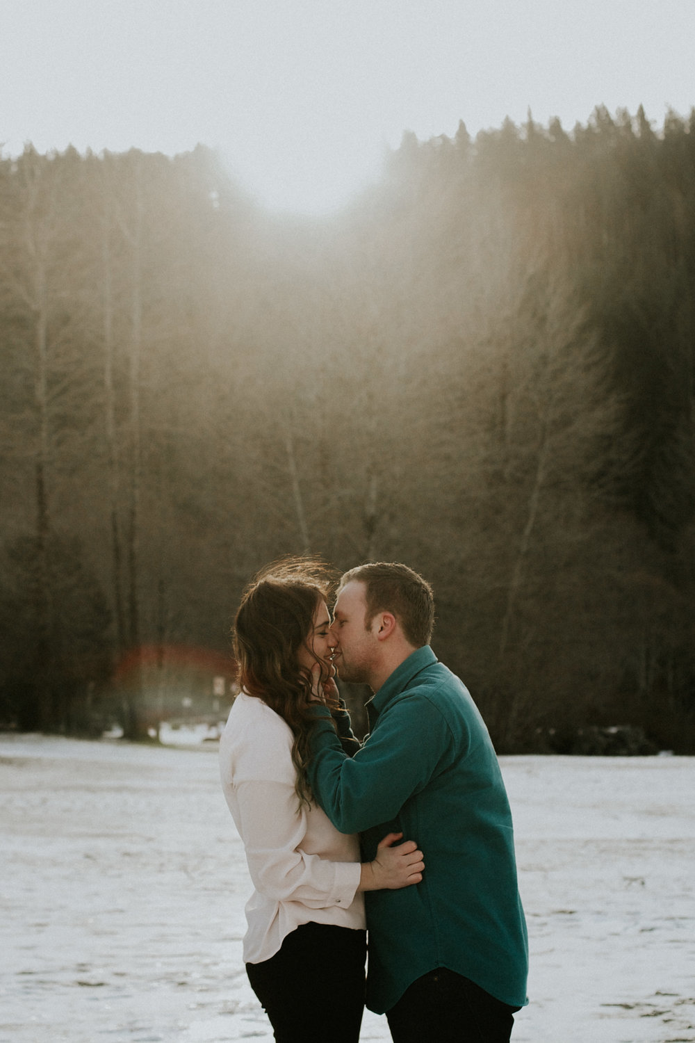Rattlensnake ridge lake engagement couple hipster in-love pinterest poses