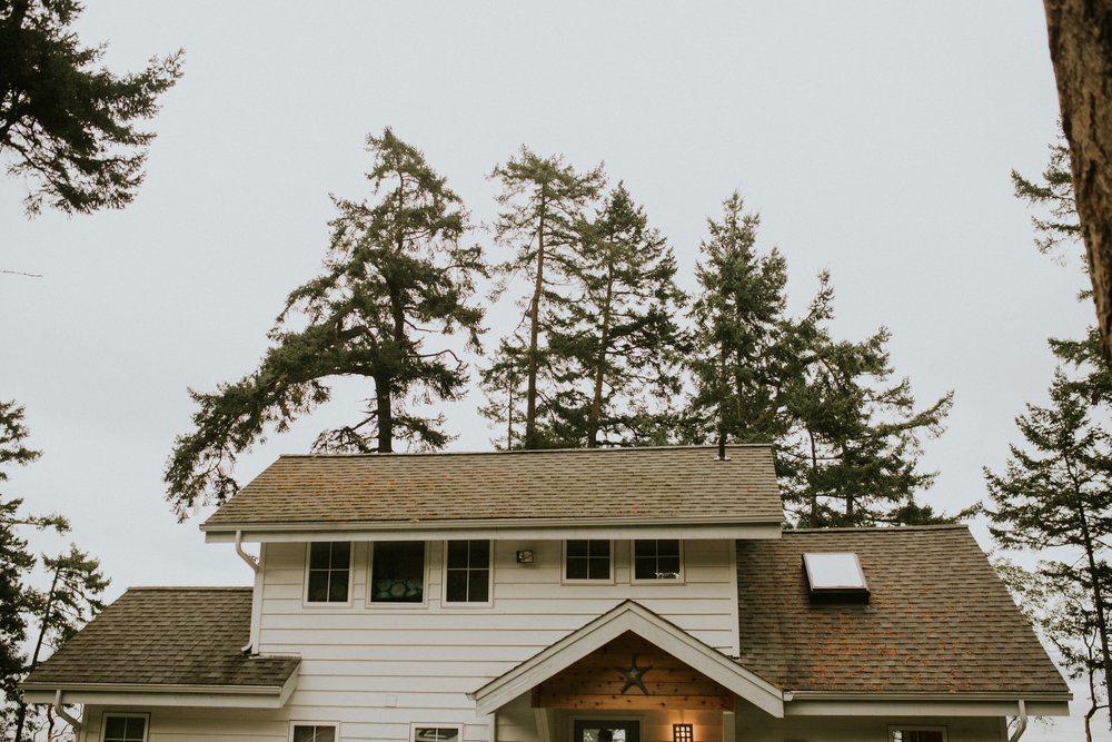island-airbnb-elopement