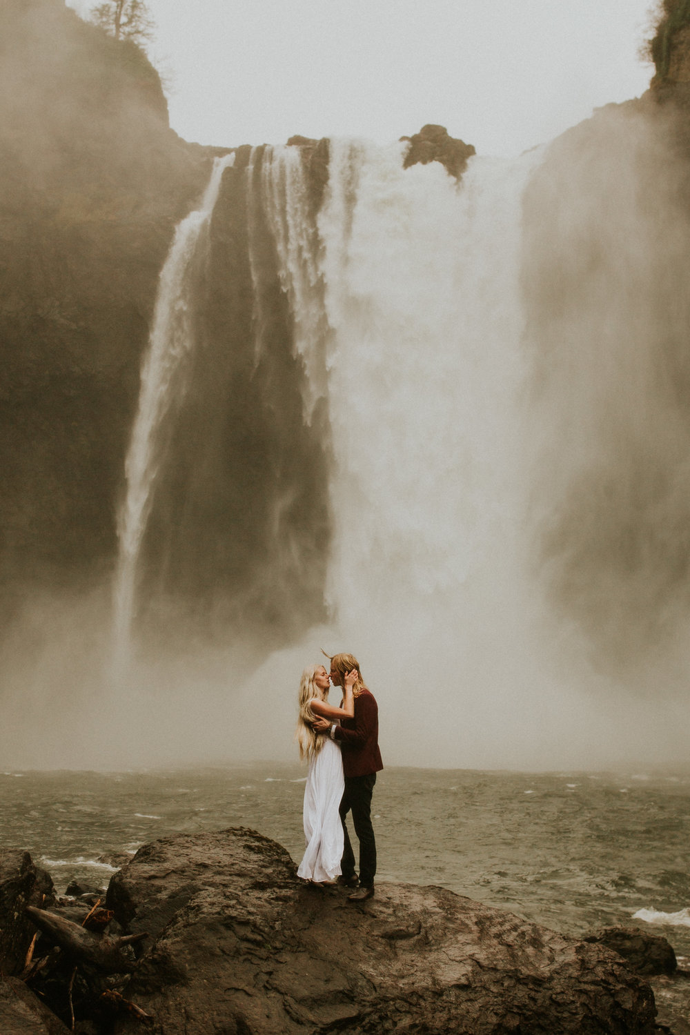 Snoqualmie-falls-elopement-photography