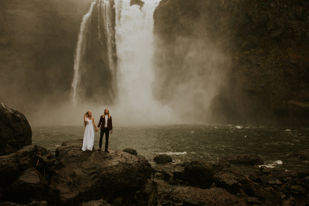 Snoqualmie-falls-elopement-session
