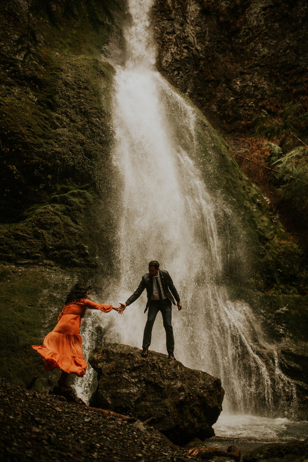 Marymere-falls-engagement-session-photographer