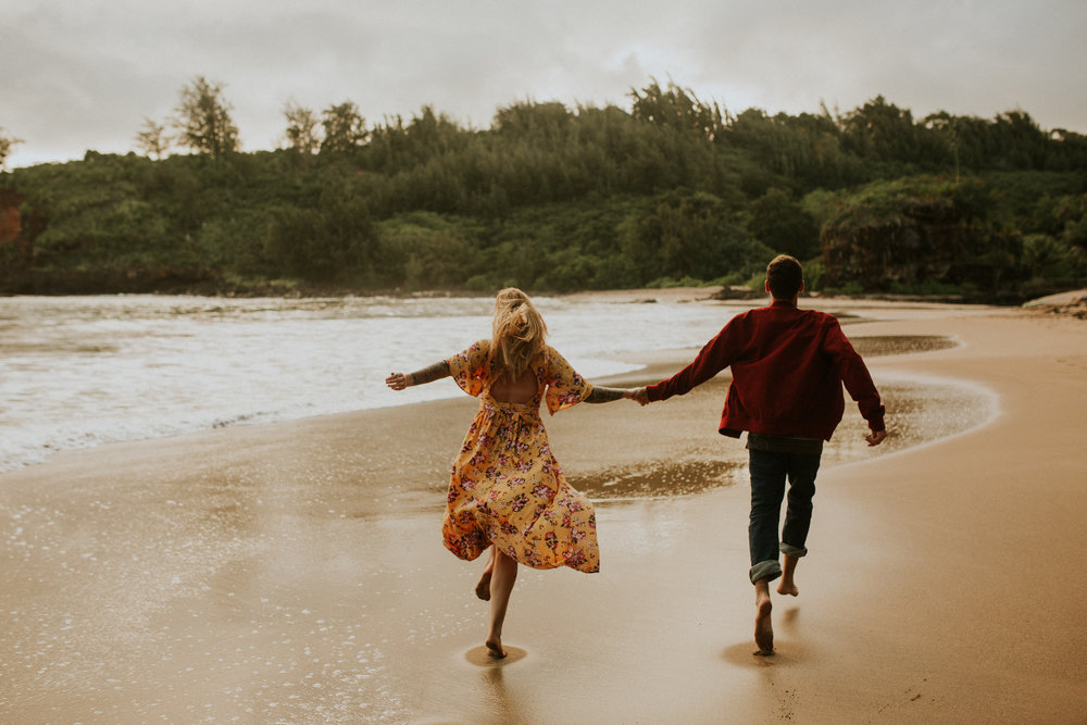 kauai engagement allerton garden secret beach spouting horn photos