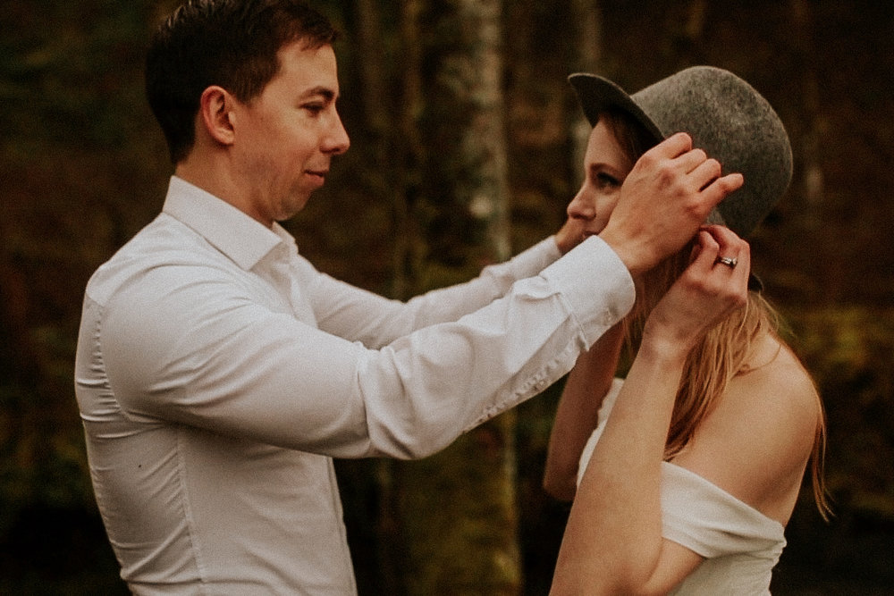 portland oregon photographer intimate wedding elopement by bridal veil falls