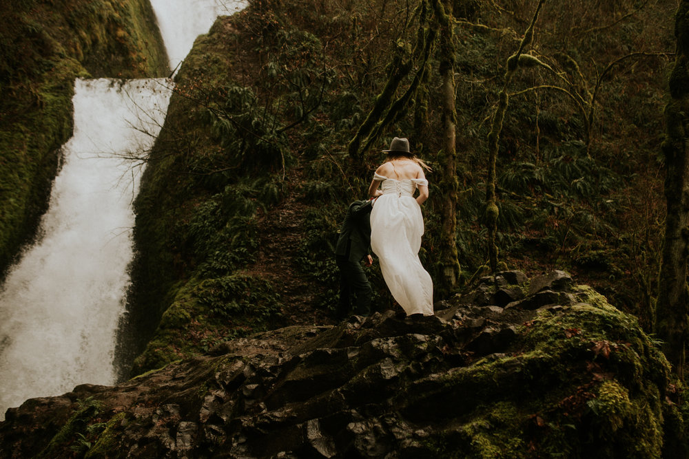 portland oregon elopement bridal veil falls breeanna lasher