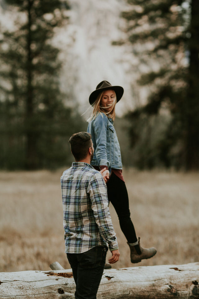 Yosemite-engagement-session-cooks-meadow-breeanna-lasher-104.jpg