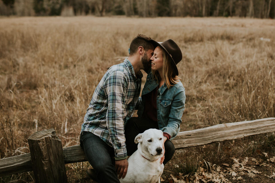 yosemite cooks meadow engagement session photography photos by breeanna lasher