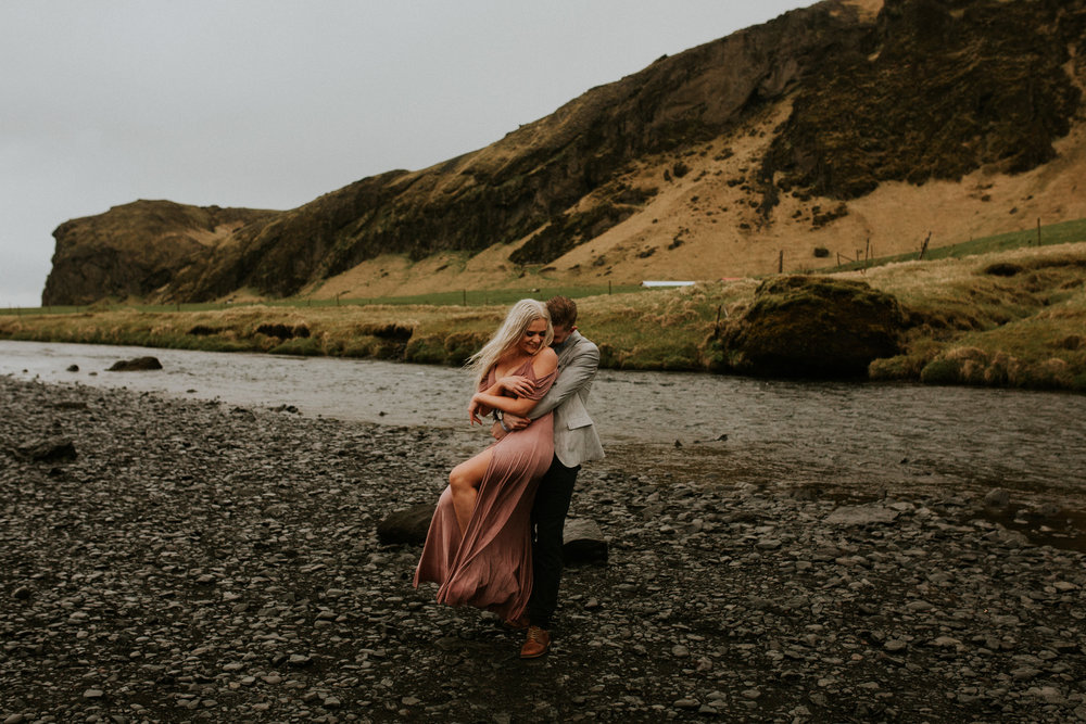 skogafoss couple in love icelandic photographer breeanna lasher
