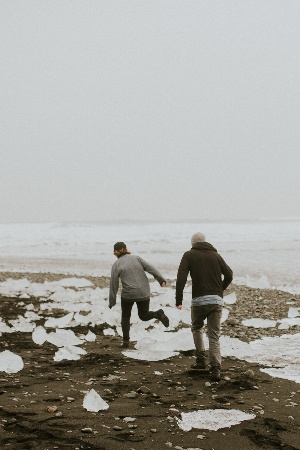 black diomond beach in iceland vanlife engagement session photographer
