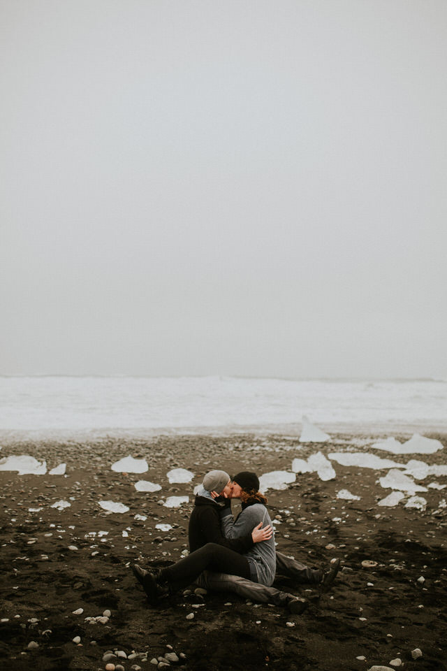 iceberg lagoon engagement session diamond beach photographer in iceland